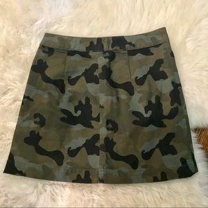H&M camo skirt